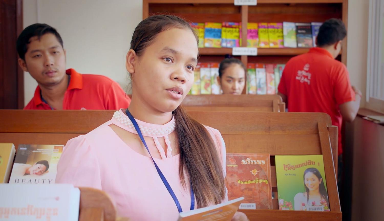 Sipar - Reading and education in Cambodian textile fatories - Lire et s'éduquer