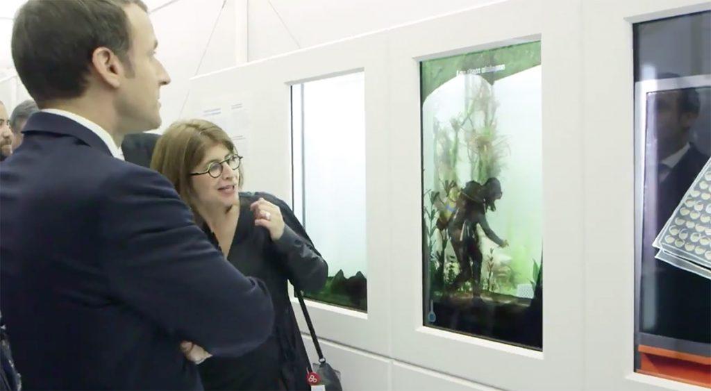 UNIVERSCIENCE - Expo Pasteur - Culture des bacteries - Emmanuel Macron